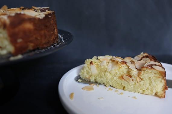 Lemon-Ricotta-Almond-Flour-Cake