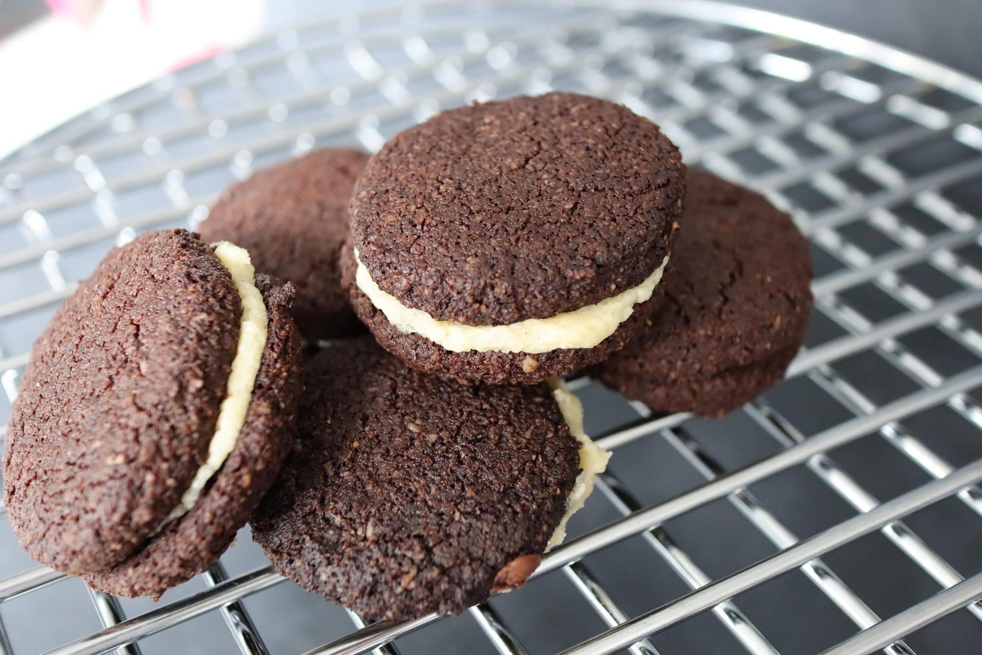 Keto Oreo Cookies4